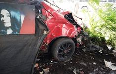 Bà Rịa - Vũng Tàu: Ô tô mất lái tông hàng loạt xe máy sập quán cà phê ven đường quốc lộ 51