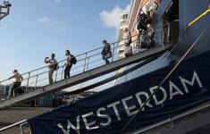 Nguy hiểm ngầm từ du thuyền cập bến ở Campuchia