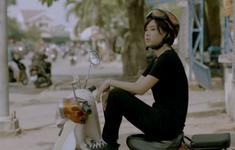 Lần đầu làm xe ôm trên màn ảnh, Hoàng Yến Chibi lóng ngóng học chạy xe số