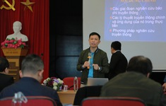 Trường CĐTH khai giảng lớp nghiệp vụ báo chí tại báo Tiền phong