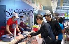 Giá lợn hơi giảm, người dân vẫn phải mua thịt giá cao
