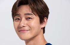 Park Seo Joon ăn mừng tài khoản Instagram được 10 triệu người theo dõi