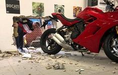 Khoan tường đánh cắp Ducati Panigale V4R, tên trộm bỏ lỡ Desmosedici RR bàn giới hạn