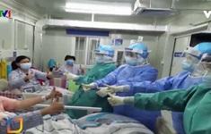 Nhân viên y tế sưởi ấm trái tim người bệnh