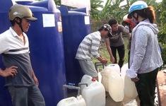 Nhiều hình thức cấp nước cho người dân vùng hạn mặn