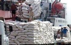 Campuchia đóng cửa các sòng bạc và hạn chế xuất khẩu gạo