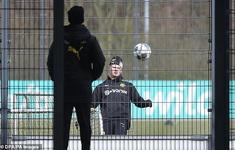 Các đội bóng Đức trở lại luyện tập theo cách đặc biệt