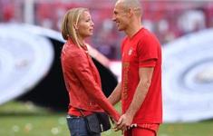 Arjen Robben tiết lộ chuyện vợ mình chiến đấu với COVID-19