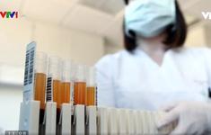 Mỹ thử nghiệm điều trị COVID-19 bằng huyết tương từ người đã khỏi bệnh