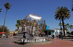 Universal Studios kéo dài thời gian đóng cửa