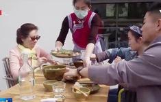 Giới chức Trung Quốc kêu gọi người dân chi tiêu mua sắm
