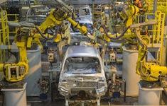 Dịch COVID-19 bóp nghẹt ngành công nghiệp ô tô châu Âu