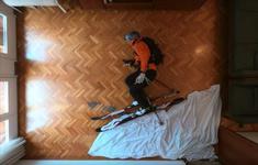 Hàng trăm nghìn lượt xem video trượt tuyết… trong phòng khách