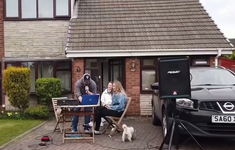 Chơi Bingo trúng giấy vệ sinh hút người tham gia tại Anh