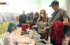 Hỗ trợ cho người nước ngoài hết hạn visa trong dịch COVID-19