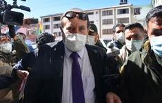 """Cựu Bộ trưởng Y tế Bolivia bị tạm giam do bê bối """"đội giá"""" máy thở"""