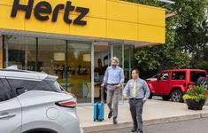 Vì sao hãng cho thuê xe Hertz phá sản?