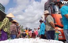 """Gần 96.000 hộ dân """"khát"""" nước sinh hoạt vì hạn mặn"""
