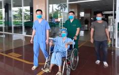 Bệnh nhân số 19 nặng nhất miền Bắc cùng 5 ca mắc COVID-19 khác được công bố khỏi bệnh