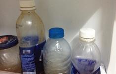 Cảnh báo trẻ uống nhầm xăng, thuốc tẩy bồn cầu, hóa chất độc hại