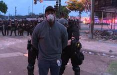 Đưa tin về vụ bạo động ở Minneapolis, phóng viên CNN bị bắt ngay trên sóng truyền hình