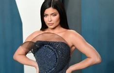 """""""Cú lừa thế kỷ"""": Kylie Jenner bị Forbes tước danh tỷ phú!"""