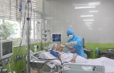 Bệnh nhân 91 đã tỉnh hoàn toàn, có thể mỉm cười, lắc đầu, bắt tay nhân viên y tế