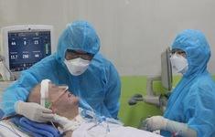 VIDEO: Bệnh nhân 91 đã tỉnh hoàn toàn, có thể mỉm cười, bắt tay y bác sĩ Việt Nam