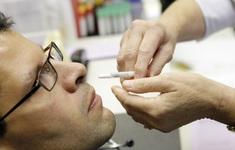 Australia phát triển thuốc xịt mũi ngừa nguy cơ lây lan COVID-19