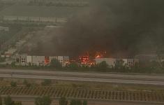 Hỏa hoạn gây thiệt hại nặng cho nhà kho của Amazon