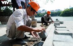 Hà Nội yêu cầu nâng chất lượng đá lát vỉa hè chưa đạt chuẩn