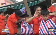 Những thợ cắt tóc của người nghèo vùng sâu