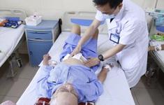 Phẫu thuật điều trị ung thư đường tiêu hóa cho hai bệnh nhân 90 tuổi