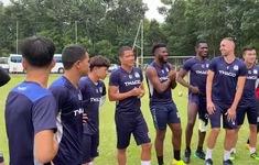 Nguyễn Anh Đức ra mắt đồng đội và BHL tại CLB Hoàng Anh Gia Lai
