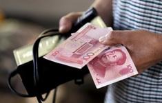 Người dân Trung Quốc đổ xô rút tiền khỏi ngân hàng vì tin đồn thất thiệt
