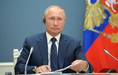"""Tổng thống Putin: """"Người cầm lái"""" tài năng đưa Nga vượt qua khủng hoảng và phát triển"""