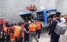 Trung Quốc: Xe bus chở học sinh lao xuống hồ, 21 người thiệt  mạng