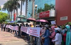 Phụ huynh trường Việt Úc sốc, phẫn nộ vì con bị cho nghỉ học