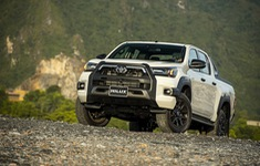Toyota Hilux 2020 ra mắt với giá hơn 600 triệu đồng
