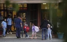 Hơn 2.000 học sinh, giáo viên Mỹ bị cách ly tại một số trường học