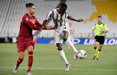 Chuyển nhượng Man Utd: Juventus muốn đổi tiền vệ công lấy Chris Smalling