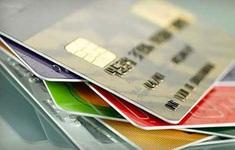 """Lập web giả, phát hành thẻ tín dụng """"fake"""", thu tiền phí rồi... biến mất"""