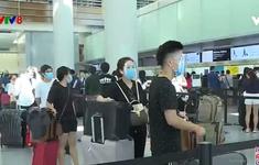 Thêm 2 chuyến bay đưa du khách rời Đà Nẵng