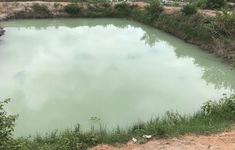 2 anh em họ bị đuối nước tại hồ tưới trong vườn nhà