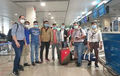8 y, bác sĩ chuyên khoa thận học và lọc máu của TP.HCM chi viện Đà Nẵng chống dịch COVID-19