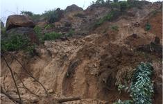 Di dời khẩn cấp người dân trước nguy cơ sạt lở bãi thải mỏ than