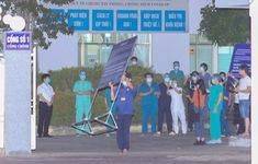 Y bác sĩ Bệnh viện C Đà Nẵng vui mừng khi dỡ bỏ lệnh phong tỏa, mở cửa đón bệnh nhân