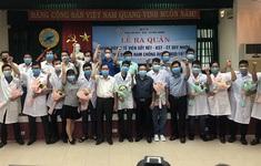 """10 bác sĩ, điều dưỡng Bình Định vào Quảng Nam """"chia lửa"""""""