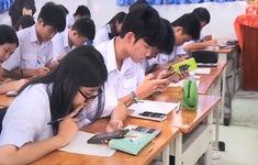 Học sinh được sử dụng điện thoại trong lớp - Thầy cô, phụ huynh nghĩ gì?