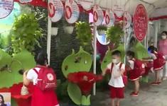 Trẻ mầm non Đà Nẵng tíu tít đến trường sau 2 lần gián đoạn vì COVID-19